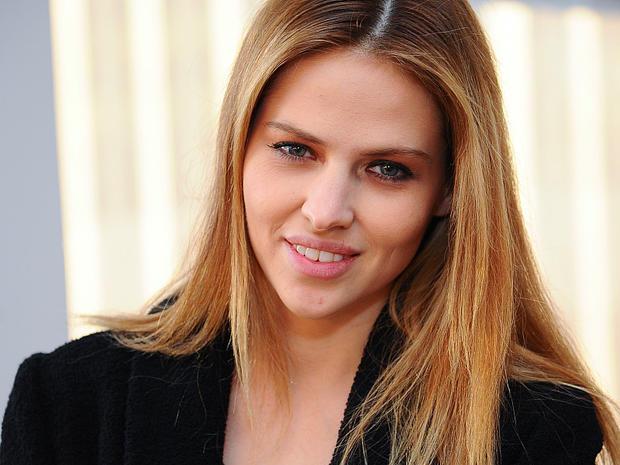 Model Hana Nitsche Kann Nicht Nur Hübsch Aussehen