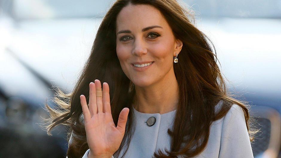 Sie geben Herzogin Catherine jetzt Halt