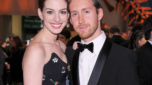 Glckliches Paar: Anne Hathaway und Adam Shulman.