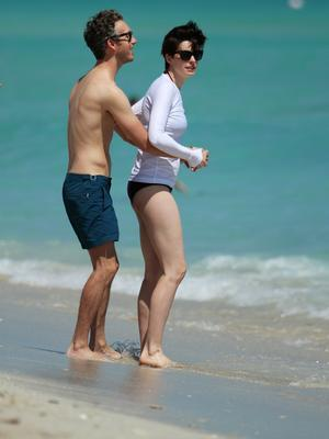 Anne Hathaway Nackt Bilder und Videos