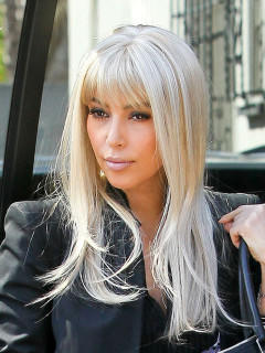kim kardashian br nett vs blond welche haarfarbe steht. Black Bedroom Furniture Sets. Home Design Ideas